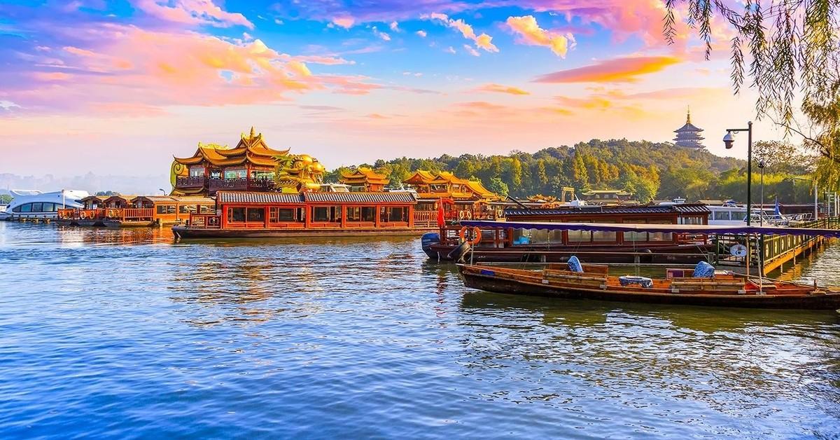 預約2020 佛教聖地~【普陀山、九華山】+ 奇山秀水【黃山、西湖】之旅八日遊 (含導遊領隊小費)