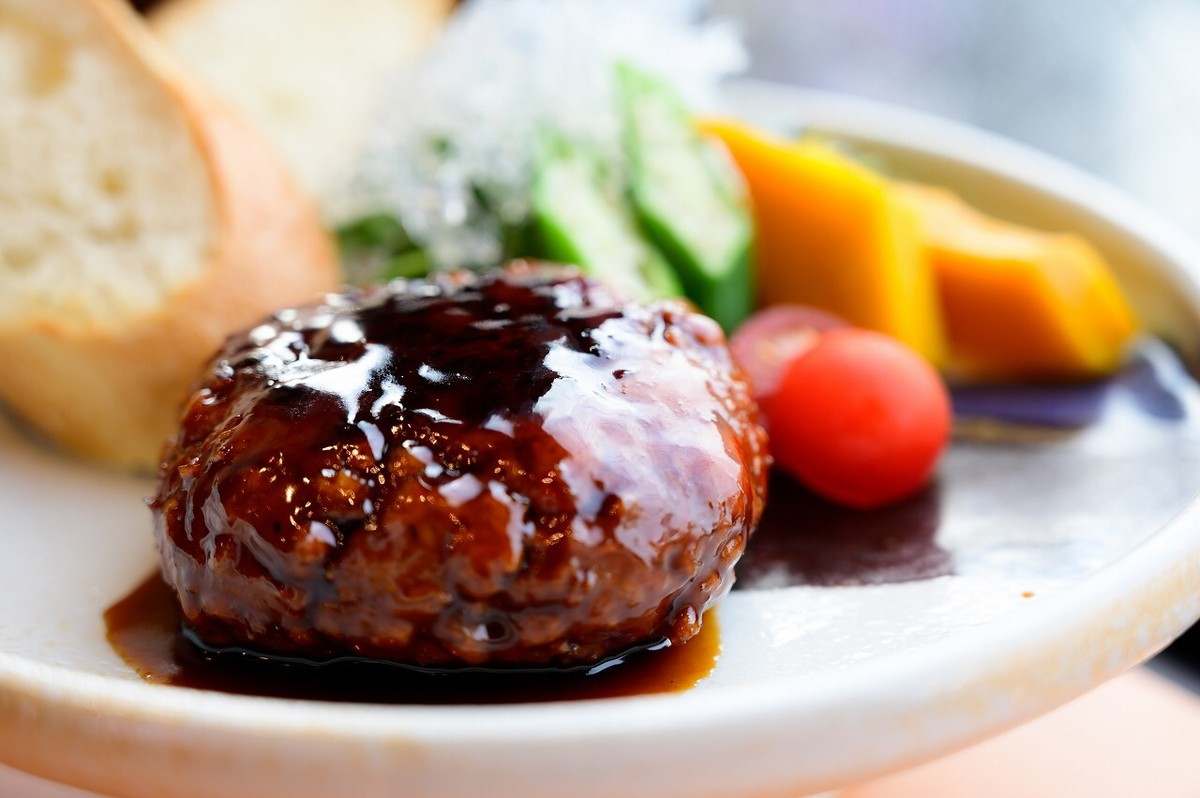 專為台人口味設計的菜單,從純素者、不吃五葷者到一般大眾都能大快朵頤。/圖‧千房大阪燒提供
