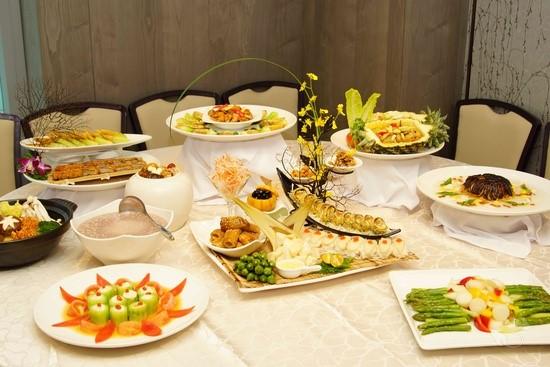桌菜宴席價位自6600至12800,讓民眾聚餐多了一種新選擇